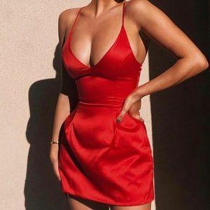 Selena dress in Red